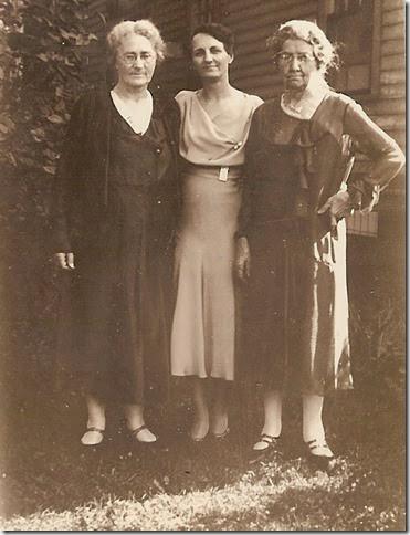 Hunter_Florence-Bowden_Florence_Gillespie_Susan -June 1934