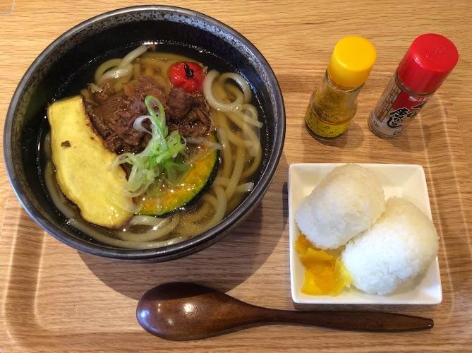 華鶴和牛うどんセット800円