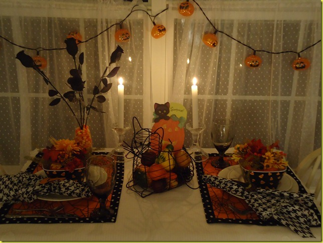 Sunroom Halloween 2011 039