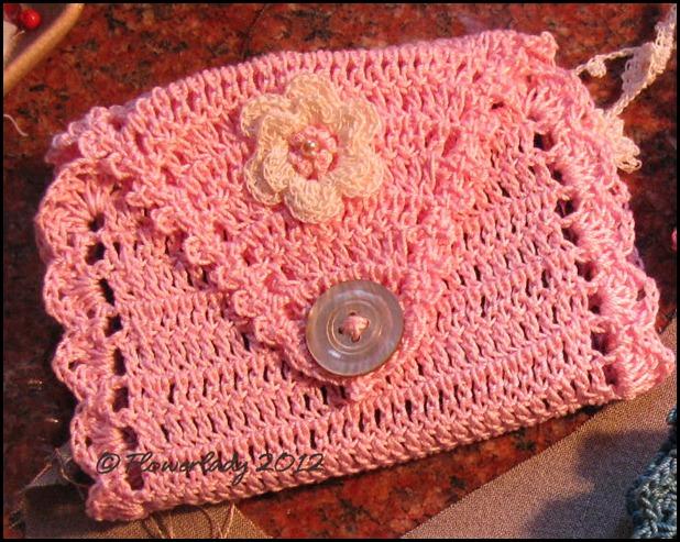 04-07-needle-case-lt-pink