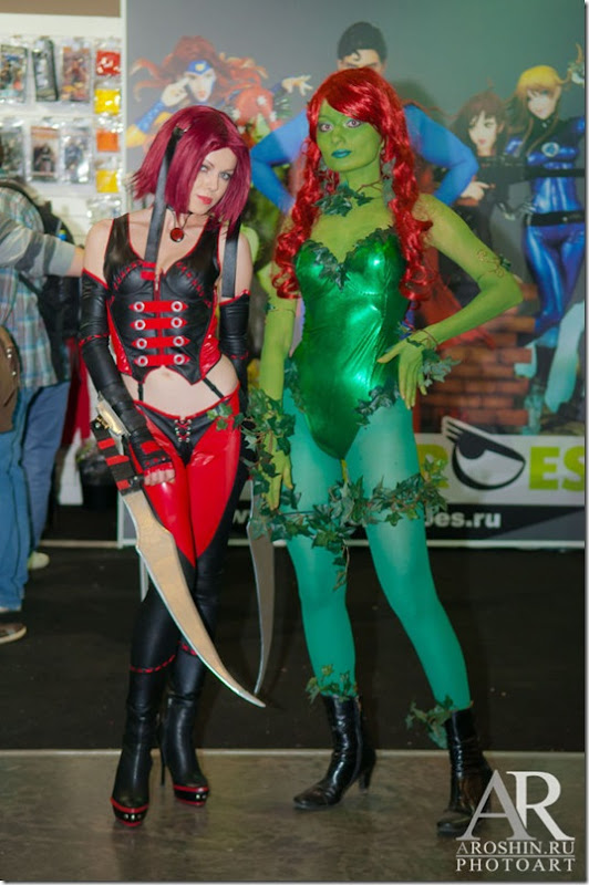 igromir-cosplay-girls-16