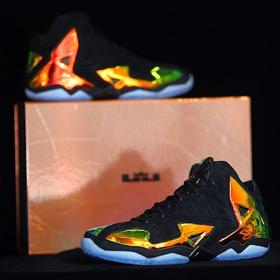 nike lebron 11 nsw sportswear ext kings crown 6 11 Release Reminder: Kings Crown LeBron 11... the Whole Package