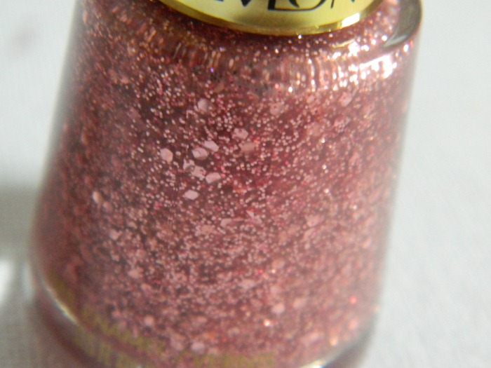 Revlon-Sparkling-Nail-Polish-Varnish-Glitter-Close-Up