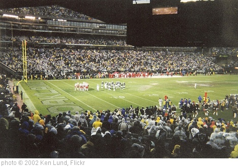 'Oakland Raiders 24, Kansas City Chiefs 0' photo (c) 2002, Ken Lund - license: http://creativecommons.org/licenses/by-sa/2.0/