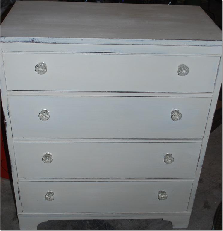 White dresser 001