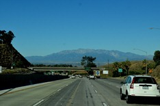 traveling west toward Pasadena traffic is surprisingly light on Interstate 10