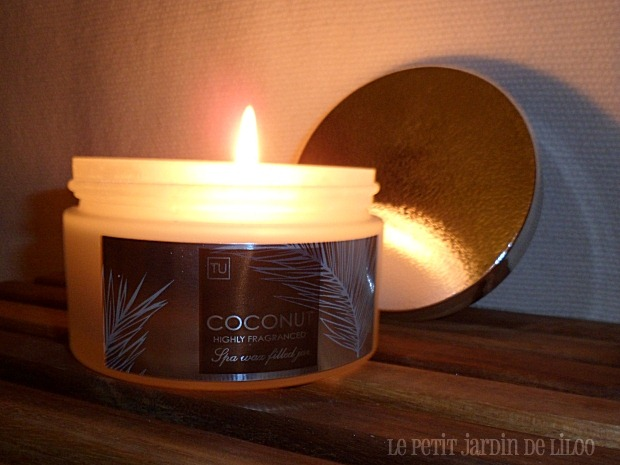 003-sainsburys-tu-highly-fragranced-coconut-candle-review-spa-wax-filled-jar