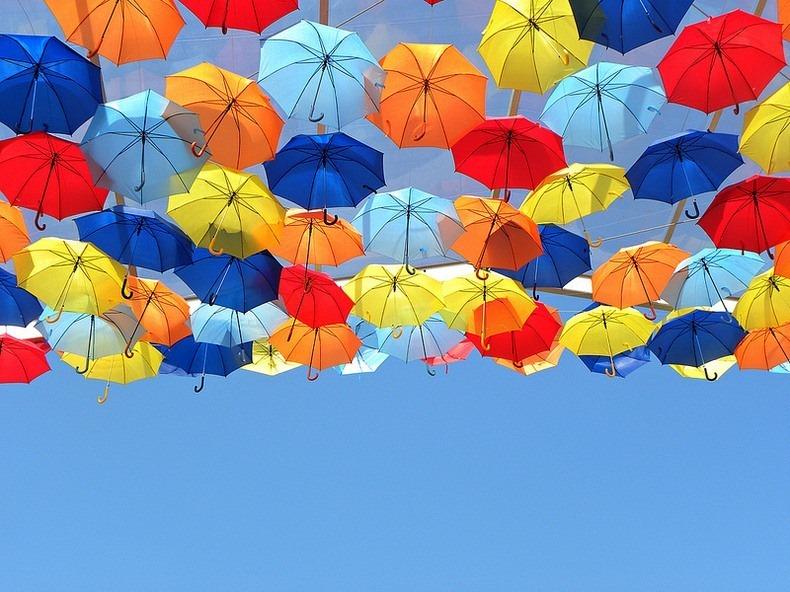 floating-umbrellas-0