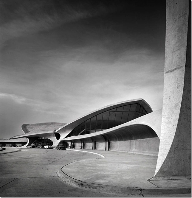 Ezra Stoller_TWA Terminal at Idlewild (now JFK) Airport, Eero Saarinen, New York, NY, 1962 2