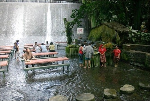 Labassin-Waterfall-Restaurant-4