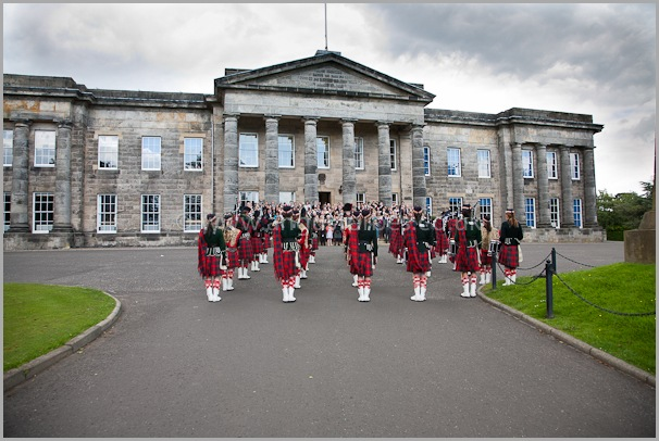 the dollar academy pipe band play for a scottish wedding
