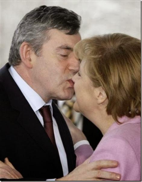 awkward-kissing-fails-4