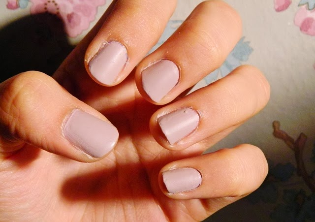 barry m vanilla matte nail polish