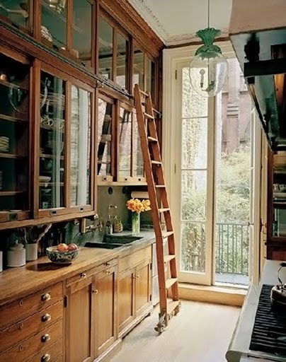 Another great kitchen ladder. (Pinterest)