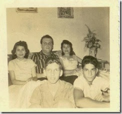 1953 Rey Logroño, Lirio y Delfina Logroño Galvan, Hector Galvan