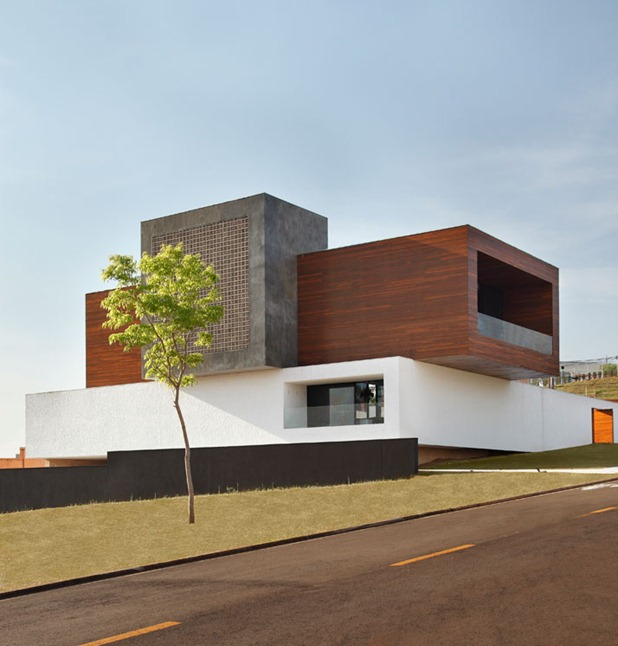 LA house by studio guilherme torres 1