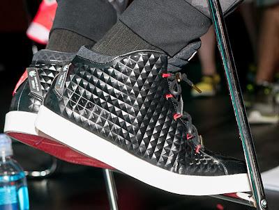 nike lebron 12 nsw sportswear lifestyle black red 1 02 King James Debuts Nike Sportswears LeBron 12 EXT Lifestyle