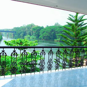 Aluva Ayurvedic River Retreat