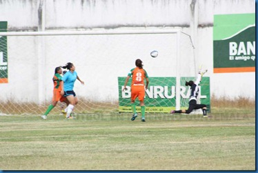 1ro. gol de ana martinez (1)
