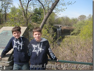 Minnehaha Falls senic overlook