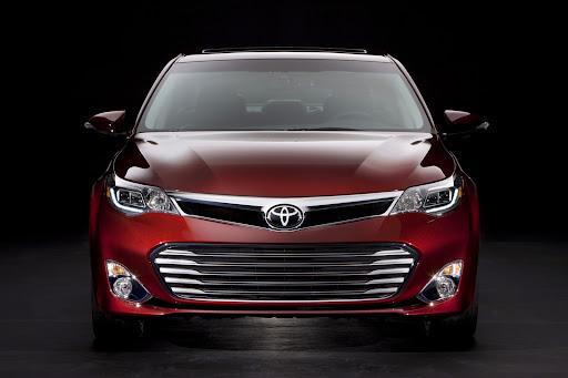 2013-Toyota-Avalon-03.jpg