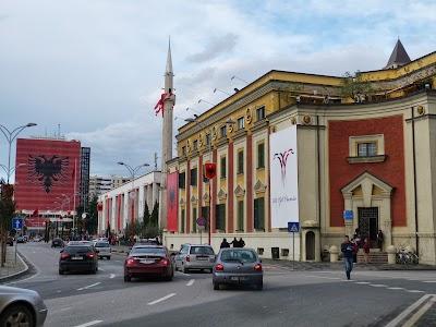 Cladiri in stil italienesc in Tirana