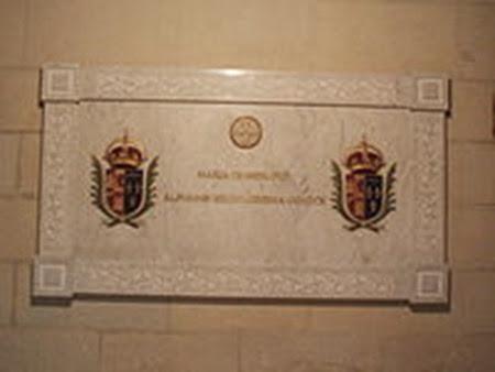 Sepultura de la reina María de las Mercedes en la Catedral de Madrid.