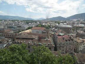 302 - Vistas desde la catedral de St. Pierre.JPG