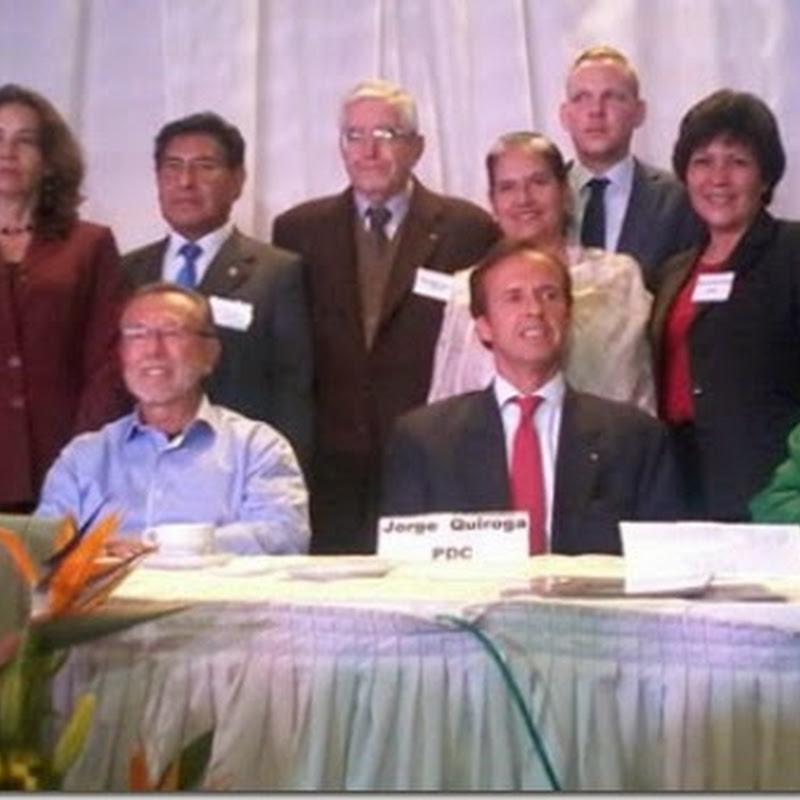 Foro de presidenciables termina sin debate y críticas a la ausencia de Evo #BoliviaVota