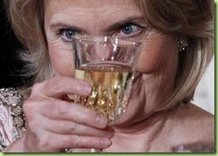 251140-2011-hillary-clinton-toasts-hu-jintao