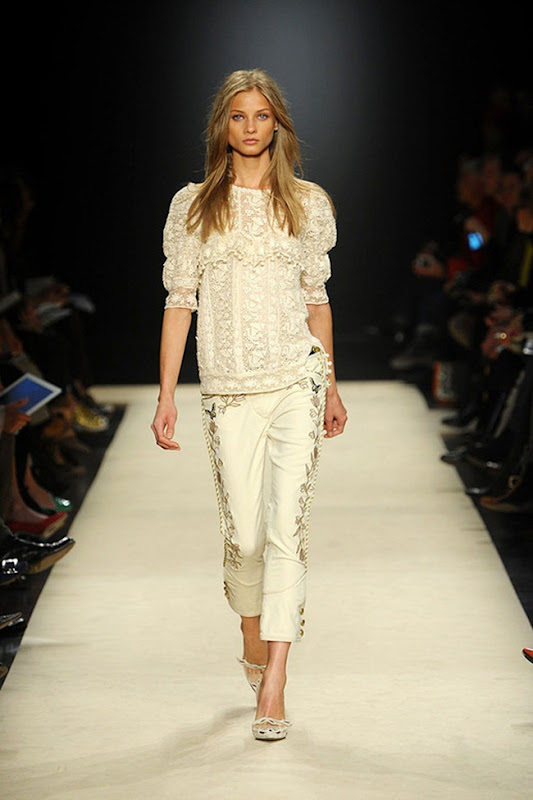 Isabel-marant-FALL-2012-RTW-podium-028_runway