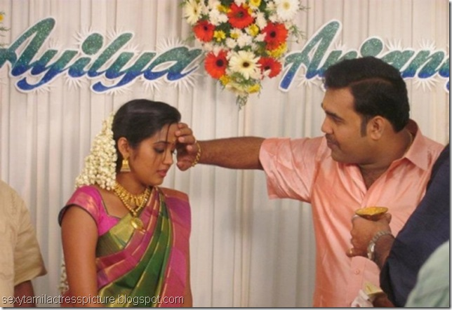Actress-Ananya-with_her_husband-photos_02