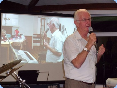 Member Peter Jackson, not only entertained us for half an hour for the arrival music on his great Korg Pa1X keyboard, but then gave us a performance in the first half showing-off his great voice and song arrangements (not to mention the odd joke that had us in tuts laughing). Peter is also the Vice President of the Hibiscus Organ and Keyboard Club.