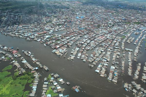 Aerial view of flooding in Iquitos, Peru, 2 April 2012. Sebasti&aacute;n Faura via globalvoicesonline.org