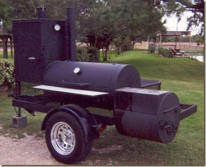 Trailer_pit_with_smoker_box.332141219_std