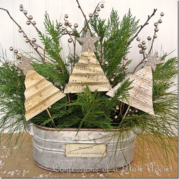 CONFESSIONS OF A PLATE ADDICT Shabby Christmas Centerpiece
