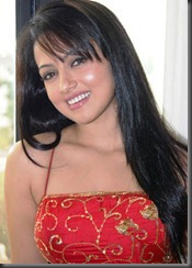 Sana-Khan-Photo-Shoot-cute smile