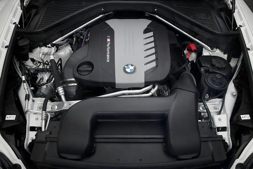 BMW-X6-M50d-07.jpg