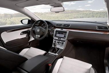 2013-Volkswagen-CC.2