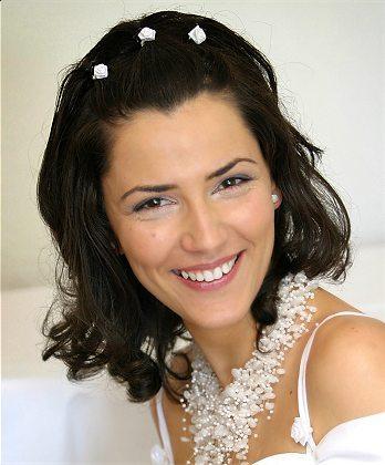 DIY Makeup for Wedding Hairstyles