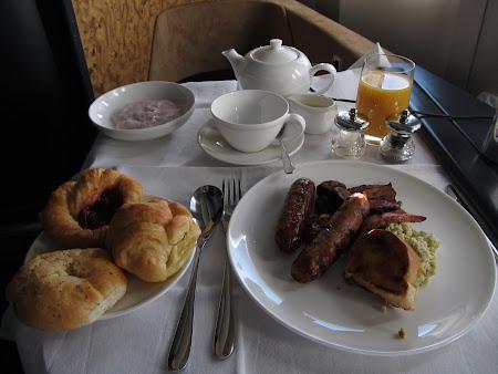 12. mic dejun first class.JPG