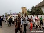 – Les partisans de l'opposition marchent sur une des avenues principale de Kinshasa le 1/9/2011, pour la révision du fichier électoral. Radio Okapi/ Ph. John Bompengo