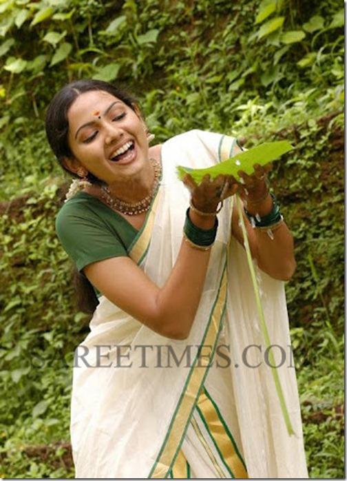 Samvritha_Sunil_Kerala_Saree