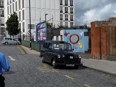 Obiective turistice Irlanda de Nord: Black Taxi Belfast