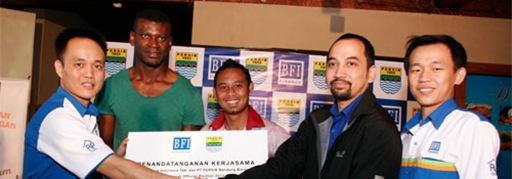 ISL 2013, BFI Finance Kembali Sponsori Persib Bandung.