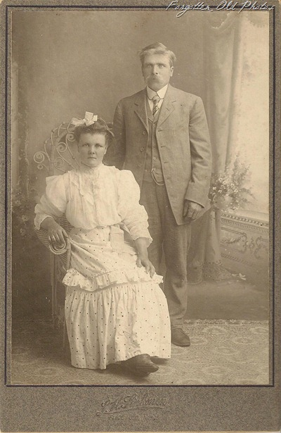 Cabinet Card Couple Duluth Aniques