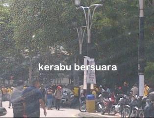 Live Bersih 3.0. Keadaan di depan Masjid Negara.