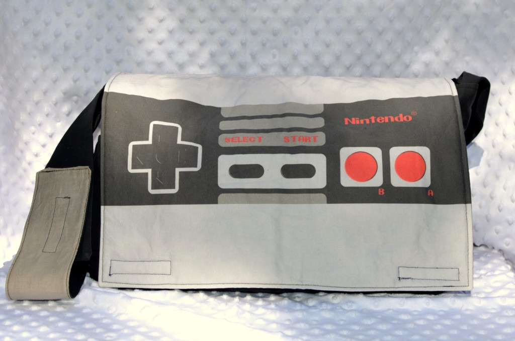 [Nintendo-Inspired-Diaper-Bag-1024x678%255B6%255D.jpg]
