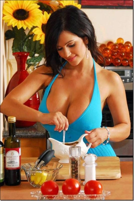 Garotas gostosas na cozinha (5)