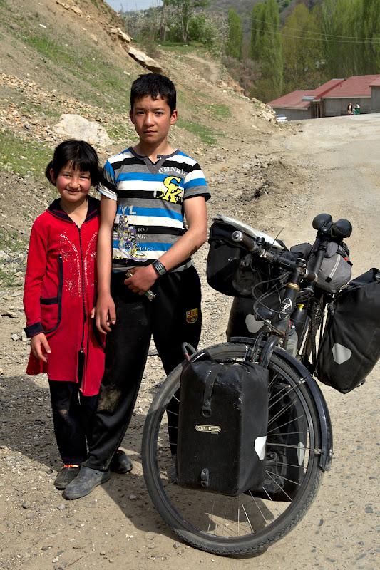 Copii uzbeci.